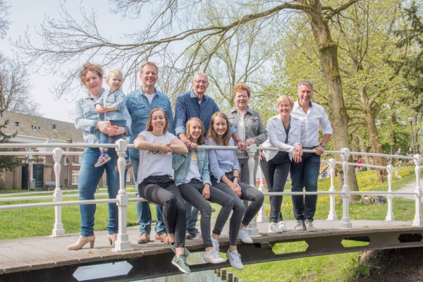Fotofamkes fotografie in Friesland fotoshoot gezin